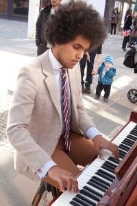 Piano na ulici. Foto Luboš Hostek (11)