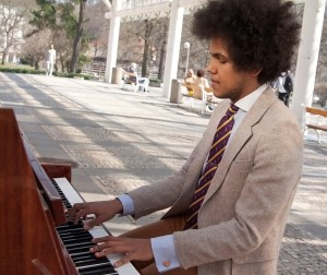 Piano na ulici. Foto Luboš Hostek (8)